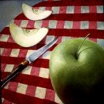 Яблоко и нож фирмы Лайол
